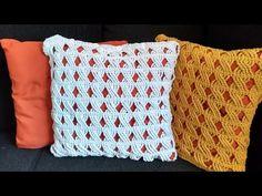 Capa para almofada em Ponto Trança/ Tutorial Diy Crochet - YouTube Crochet Pillow Cases, Crochet Art, Crochet Squares, Tutorial Diy, Macrame, Throw Pillows, Make It Yourself, Blanket, Rugs