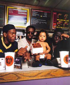 Once deemed outside observers, hip-hop muscians are presently at the reason for the fashion world. Mode Hip Hop, 90s Hip Hop, Hip Hop And R&b, Arte Do Hip Hop, Hip Hop Art, Mode Old School, Estilo Cholo, Hip Hop Classics, Puff Daddy