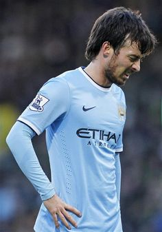 David Silva has been ruled out for 3-4 weeks with a knee injury and will miss the Manchester derby this Sunday.