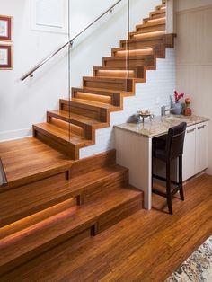 90 Ingenious Stairway Design Ideas for Your Staircase Remodel Staircase Lighting Ideas, Stairway Lighting, Cove Lighting, Strip Lighting, Escalier Design, Plafond Design, Home Stairs Design, House Design, Stair Design