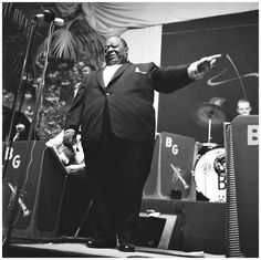 Jimmy Rushing - blues belter and first-rate jazz vocalist who fronted the Count Basie Orchestra from 1935 to (Shown here performing with Benny Goodman Orchestra. Swing Jazz, Swing Era, Count Basie, Harry James, Duke Ellington, Jazz Club, Orchestra, Blues, Black And White