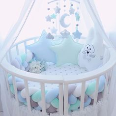 Krippe in der Krippe. Dekorative Krippe in der Krippe. Dekorative The post Krippe in der Krippe. Dekorative appeared first on Babyzimmer ideen. Baby Bedroom, Baby Boy Rooms, Baby Room Decor, Baby Boy Nurseries, Baby Cribs, Nursery Room, Kids Bedroom, Baby Bassinet, Baby Pillows
