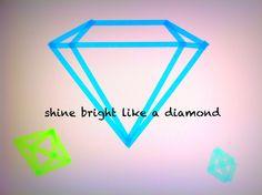 #DIY WASHI TAPE WALL DIAMONDS