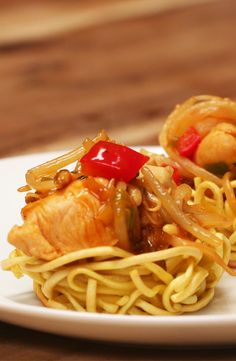 Chicken Chow Mein Nests