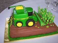 John Deere Corn Combine Groom's Cake Made this for My Nephew's wedding. Everything is edible! Decorated with buttercream with. Thomas Birthday Cakes, Birthday Cakes For Men, Cakes For Boys, Tractor Birthday, Farm Birthday, Birthday Ideas, Beetroot Chocolate Cake, Sweet Corn Cakes, Deer Cakes