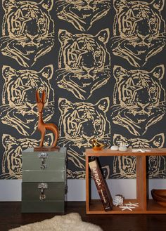 This beautiful wallpaper, a collaboration with Finnish designer Ivana Helsinki, is the perfect décor for your home or business. - Measurements: 27 inches wide × 5 yards long / Pre-trimmed - Design Rep