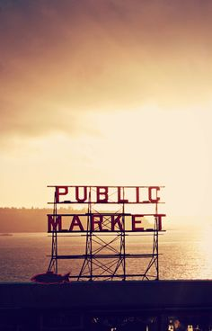 Pike Place Market has remained mostly unchanged since it was founded in Among the many reasons I love Seattle. Seattle Washington, Washington State, Wonders Of The World, In This World, Oh The Places You'll Go, Places To Visit, Wonderful Places, Beautiful Places, Sleepless In Seattle
