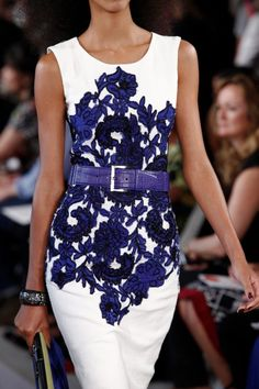 The perfect dress to show off your beautiful shoulders ~ Oscar de la Renta