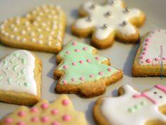 Biscottini natalizi di pasta frolla http://www.nonsonounapasticciera.it/ricetta/biscottini-natalizi/
