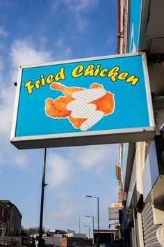 Si paseas por Londres te vas a encontrar con vallas publicitarias, graffitis y señales de tráfico con partes que parecen haber sido borrados con Photoshop. http://ceslava.com/blog/anuncios-graffitis-y-senales-londinenses-borradas-con-photoshop/