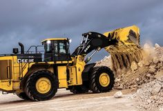 Benefits of John Deere's new 944K hybrid loader extend beyond fuel efficiency | Equipment World | Construction Equipment, News and Information | Heavy Construction Equipment