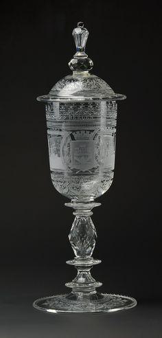 Gustav Gaudernack for Hadeland Glassverk. Gravert pokal @ DigitaltMuseum.no