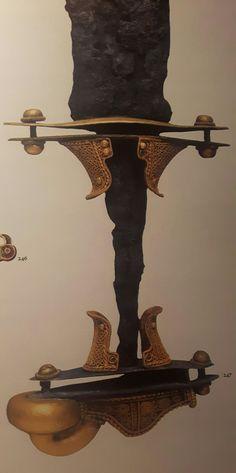 Roma. Museo dell'Alto Medioevo.  Impugnatura aurea di spada. Oreficeria germanica. Fine VI-inizi VII secolo