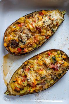 Eating Royally: Stuffed Eggplant recipe - Eating Royally: Stuffed Eggplant - Feast of Starlight Greek Recipes, Vegetable Recipes, Diet Recipes, Vegetarian Recipes, Cooking Recipes, Healthy Recipes, Eggplant Dishes, Baked Eggplant, Snacks