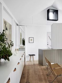 OGrady project Albert Park. Winner Dulux Colour Award Single residential exterior featuring pink door. Shortlisted Houses Awards, Interior Design Awards 2016