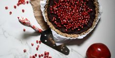This super simple recipe is a delicious holiday treat that is sure to impress your guests. Decadent Chocolate, Food Gifts, Holiday Treats, Christmas Cakes, Merry Christmas, Cake Cookies, Pomegranate, Tart, Easy Meals