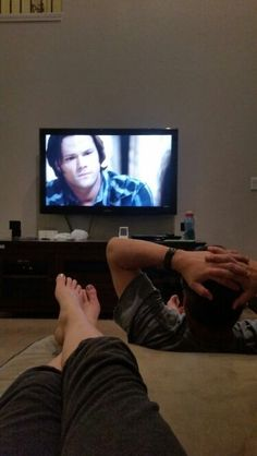 Me and my dad watching Supernatural. Grunge Photography, Couple Photography Poses, Tumblr Photography, Profile Pictures Instagram, Instagram Story Ideas, Boy Pictures, Cute Couple Pictures, Winter Outfit For Teen Girls, Emotional Photography
