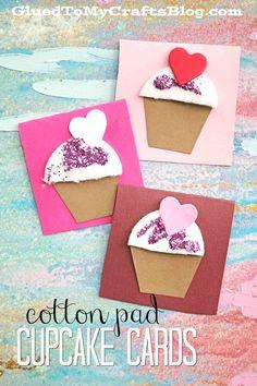 DIY Cotton Pad Cupcake Notecards For Valentine's Day - DIY Cotton Pad Cupcake Cards – Kid Craft Idea For Valentine's Day. Valentines Day Holiday, Valentine Day Crafts, Valentines For Kids, Cupcake Crafts, Cupcake Card, Valentine's Day Crafts For Kids, Diy For Kids, Diy Note Cards, Saint Valentin Diy