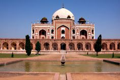 Humayuns Tomb Delhi- an architectural masterpiece
