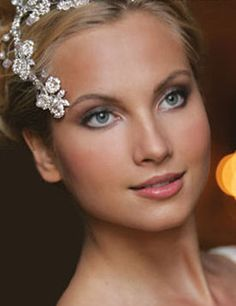 Hair & makeup trial by friend = disaster!  [pic heavy] :  wedding bad beauty hair makeup trial Bride