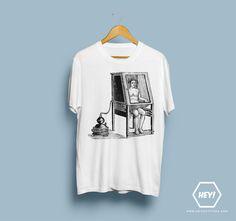 Si toi aussi tu veux ton tshirt LE BAIN, une seule adresse dans ce bas monde : http://r-shop.spreadshirt.fr/le-bain-A26144370  #bain #tshirt #hey