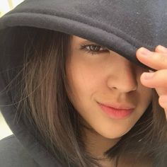 Discover recipes, home ideas, style inspiration and other ideas to try. Filipina Beauty, Ulzzang Girl, Pretty Face, Girl Pictures, Girl Crushes, Asian Girl, Xavier Serrano, Kathryn Bernardo, Selfie Ideas