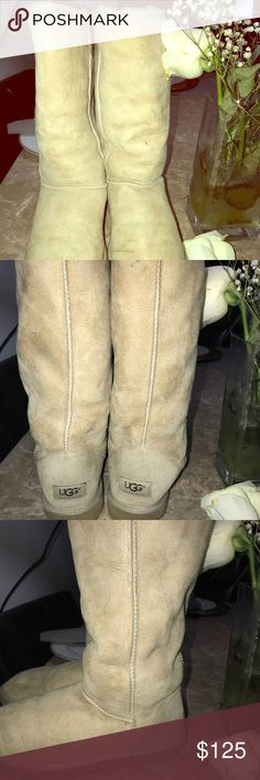 Uggs tan boots Uggs boots tan size 8 ,,, very small stain other then that good condition ,,, 🖤❤️🖤 UGG Shoes Winter & Rain Boots