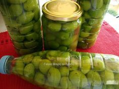 Olives & the way we make them! - A very easy and relaxing recipe for salting olives. It can be applied to all olives as long as they can pass through … Olive Recipes, Italian Recipes, Italian Foods, Cooking Tips, Cooking Recipes, Street Food, Cucumber, Food Processor Recipes, Chicken Recipes