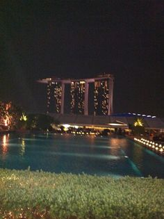 Pool on the roof with a nice view on the Marina Bay Sands...