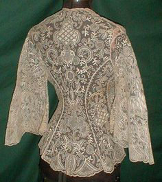 1860 boudoir jacket back. Vintage lace being used as clothing! Antique Lace, Vintage Lace, Vintage Dresses, Vintage Outfits, Antique Clothing, Historical Clothing, Victorian Fashion, Vintage Fashion, Vintage Couture