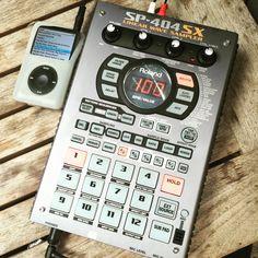 Roland SP-404SX Music Machine, Drum Machine, Roland Boss, Dj Gear, Mixers, Studio Ideas, Music Stuff, Musical Instruments, Musik