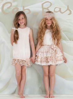 Gutiérrez y Ramos Moda infantil Young Fashion, Tween Fashion, Little Girl Fashion, Toddler Fashion, Cute Girl Dresses, Little Girl Dresses, Flower Girl Dresses, Outfits Niños, Kids Outfits