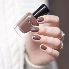Zoya Nagellack – Gina - Fashitaly All Pictures Brown Nail Polish, Matte Nail Polish, Brown Nails, Nail Polish Colors, Brown Nail Art, Short Nail Manicure, Manicure And Pedicure, Pretty Nail Colors, Pretty Nails