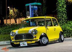 Nice yellow classic Mini