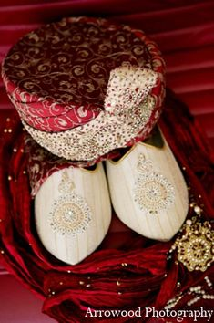 indian wedding groom http://maharaniweddings.com/gallery/photo/10456