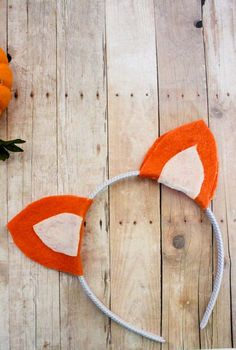 DIY no-sew Fox Ears Headband just in time for halloween! Fantastic Mr. Fox | Animal Headband | Easy Halloween Costume | Do It Your Freaking Self