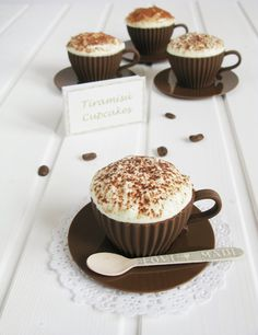 Tiramisu Cupcakes, Yummy Cupcakes, Cute Desserts, Delicious Desserts, Yummy Food, Cupcake Recipes, Cupcake Cakes, Dessert Recipes, Chocolate Cupcakes Decoration
