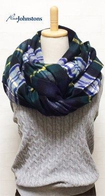 johnstons(ジョンストンズ)ストールの巻き方★ | B Fashion, Fashion Books, Work Fashion, Winter Fashion, Womens Fashion, Fashion Tips, How To Wear A Blanket Scarf, Stylish Outfits, Cute Outfits