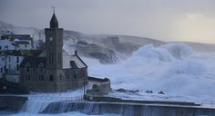 UK winter storms due to extreme air currents in the Arctic