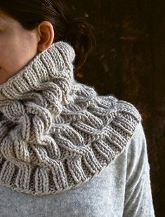 Cozy Cable Cowl pattern by Purl Soho. Knitting pattern available for free. Cable Cowl, Cable Knitting, Knit Cowl, Knitting Stitches, Knitting Patterns Free, Knit Patterns, Free Knitting, Free Pattern, Knitting Scarves