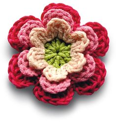 Free crochet pattern : flower from Mollie Makes
