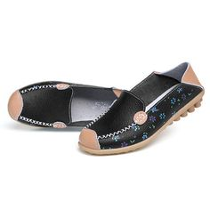 Floral Print Hollow Out Breathable Color Match Casual Slip On Flat Shoes is cheap and comfortable. There are other cheap women flats and loafers online Mobile. Loafers Online, Shoes Online, Boy Fashion, Fashion Shoes, Fashion Dresses, Comfortable Flats, Luxury Shoes, Loafer Shoes, Womens Flats