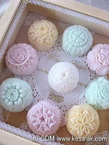 Image: So you carve soap carvings - zeepjes - Soap Carving Patterns, Soap Sculpture, Handmade Soap Recipes, Handmade Cosmetics, Soap Packaging, Soap Molds, Home Made Soap, Hobbies And Crafts, Soap Making