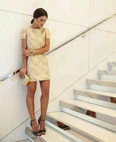 From last night - at MK event, wearing @michaelkors collection!✨ #nyfw ( @viegasjoao ) -------- Ainda sobre ontem, no evento de MK, usando vestido lindo da marca, nude com texture no dourado! ✨ Gostam? #fhitsny @fhits