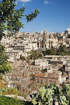 Modica auf Sizilien. Nicht nur der Schokolade von Simone Sabadi wegen eine Reise wert.
