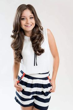 Karol Sevilla is a wonderful girl,a confident person and know-how hov to match it clothes Disney Channel, Idol, Sofia Carson, Girl Power, Good Movies, Youtubers, Actresses, Womens Fashion, Outfits