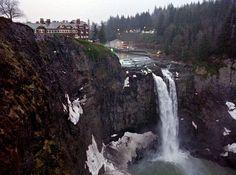 Salish Lodge a.k.a Great Northern Hotel in Twin Peaks David Lynch Movies, Twin Peaks, Outdoor, Waterfall, Outdoors, Outdoor Living, Garden, Waterfalls