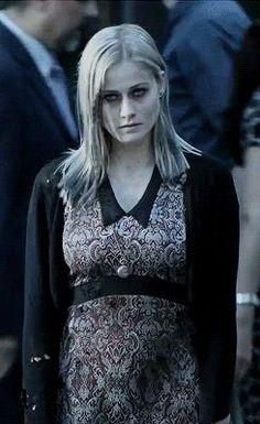 Olivia Taylor Dudley (Alice Quinn) – Cast   The Magicians ...