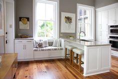 Кухни с низким подоконником - дизайнерские решения