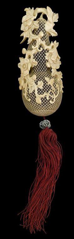 Chinese open-work ivory 'gourd' perfumer, Qianlong-Jiaqing period